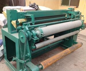 Wire mesh roll welding machine2