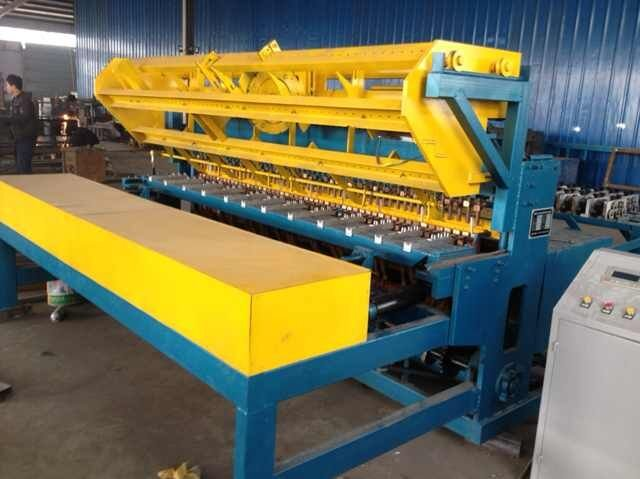 Pneumatic Reinforcing steel wire mesh welding machine china